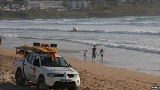 Search for missing Newquay swimmer