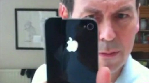 Rory Cellan-Jones filming himself on the iPhone 4