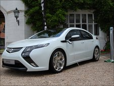 Ampera being charged