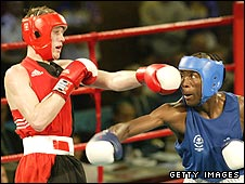 Craig McEwan in action against Khotso Motau of South Africa in the Commonwealth Games in 2002