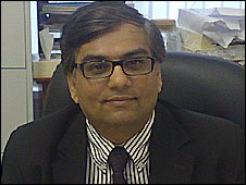 The head of the Association of Pakistani Lawyers, Amjad Malik