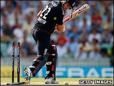 Craig Kieswetter was bowled by Ryan Harris