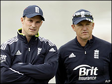 Andrew Strauss (left) and Andy Flower