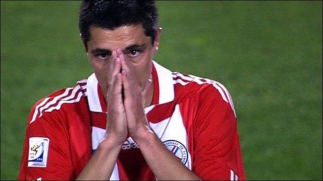 Paraguay's Oscar Cardozo