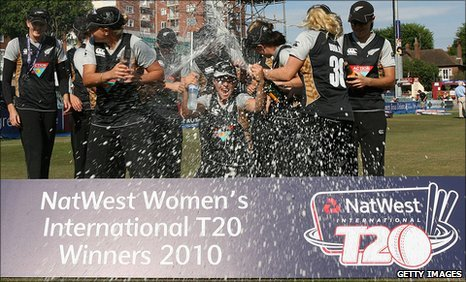 New Zealand celebrate their Twenty20 series win