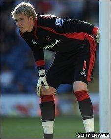 Wolves goalkeeper Wayne Hennessey