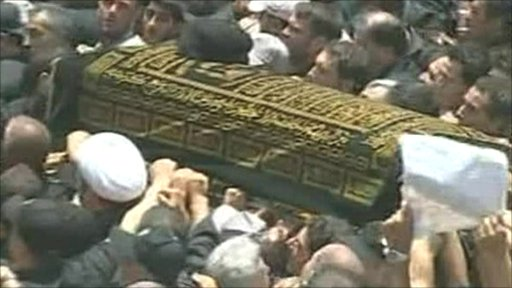 Coffin amid crowds in Beirut