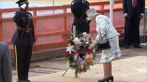 The Queen lays a wreath at the site of the World Trade Center