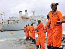 Seacom cable comes ashore
