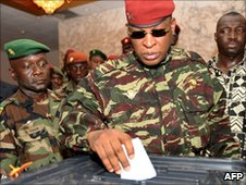 Guinean coup leader and transition president General Sekouba Konate casts his ballot on 27 June 2010