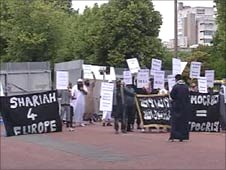 Muslims protest in Cardiff