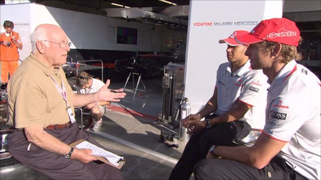 Murray Walker with Jenson Button and Lewis Hamilton