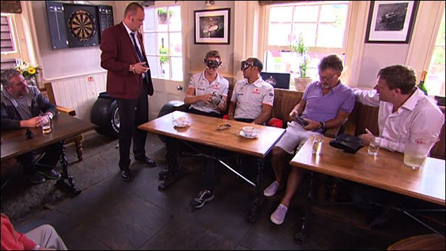 Al Murray hosts the Great British F1 Pub quiz