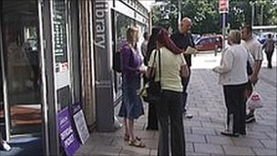 Southampton librarians postpone strike over volunteers (UK)