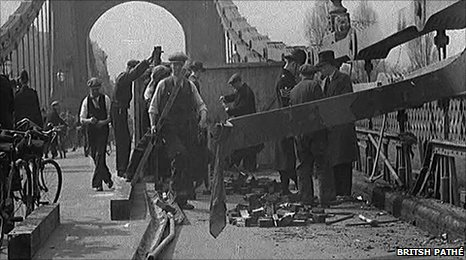 Hammersmith Bridge bombing in the 1930s