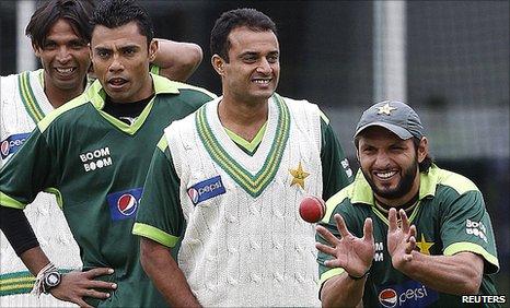 Pakistan's Mohammad Asif, Danish Kaneria, Tanvir Ahmed and Shahid Afridi