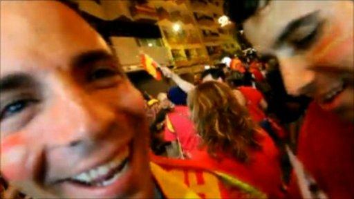 Spanish fans celebrating