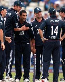 England fielders congratulate Ravi Bopara