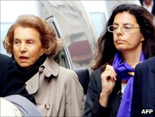 Liliane Bettencourt and her daughter Francoise (file)