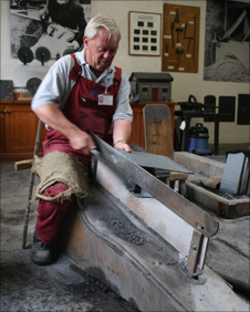Dafydd Davies splitting slate