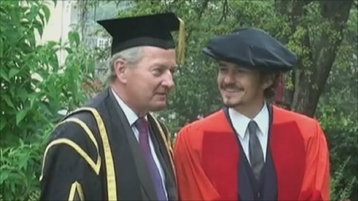 Orlando Bloom at degree ceremony