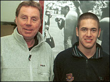 Harry Redknapp and Joe Cole pictured in 2001