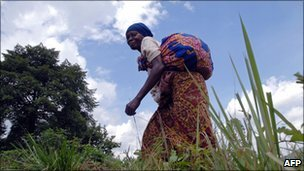 A woman near Beni in eastern DR Congo (Archive photo)