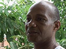Former prisoner Ronaldo Monteiro teaches inmates computer skills