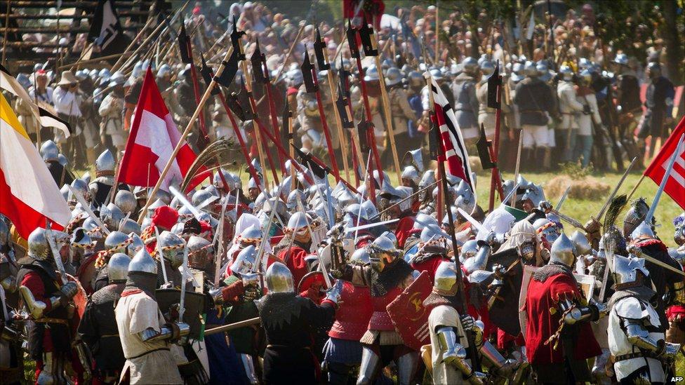 In pictures: Re-enacting Grunwald battle  _48397921_009822471-1