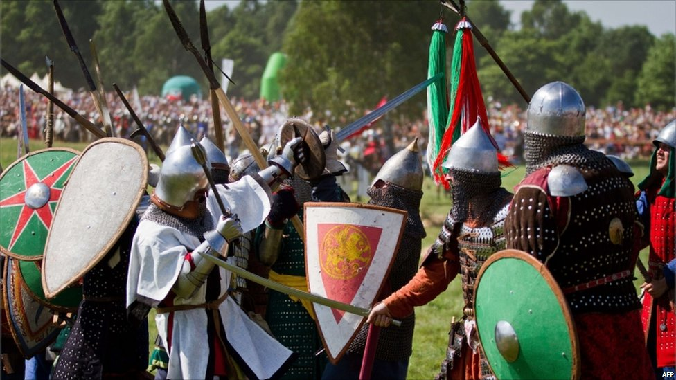 In pictures: Re-enacting Grunwald battle  _48397972_009822278-1