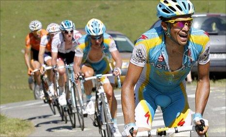4e18272d9 BBC Sport - Cycling - Contador seizes Tour de France lead from Schleck