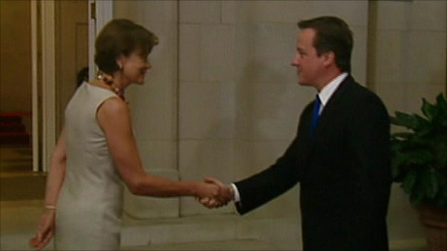 David Cameron arrives at the British embassy in Washington