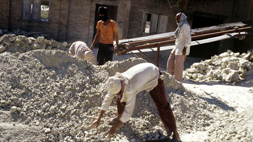 Bbc News In Pictures Asbestos Mining In India