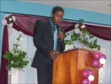 Jehue Gordon at Maraval Primary graduation ceremony
