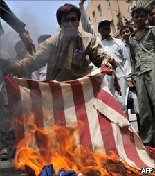 Pakistan protest against the US and the Taliban in Karachi on 19 June 2009
