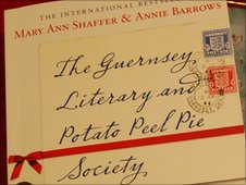 Guernsey Literary and Potato Peel Pie Society book cover