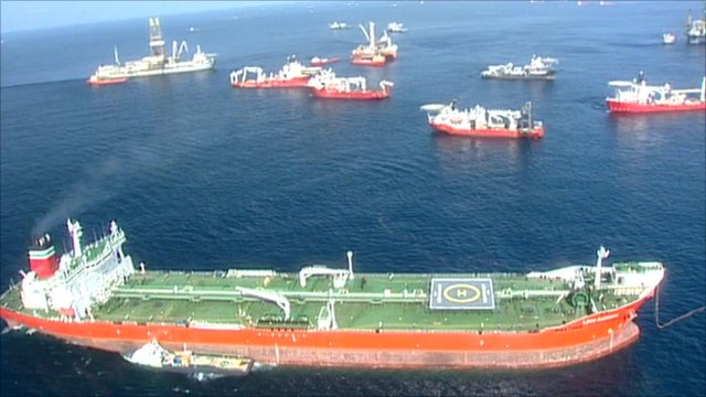Ships at BP oil spill site