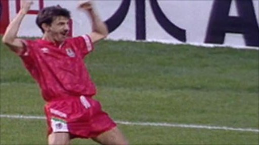 Ian Rush celebrates his winner