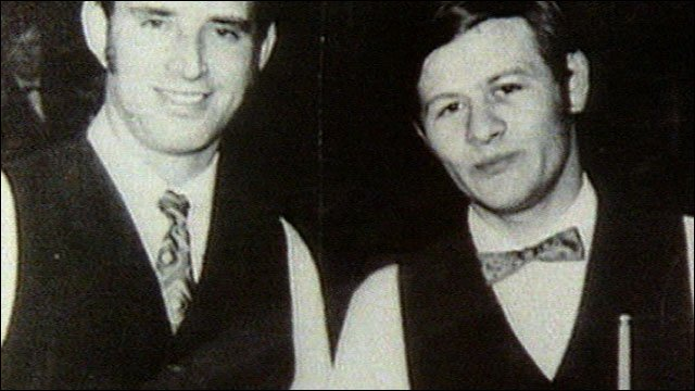 Alex Higgins (right) at the 1972 World Championship