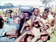 RWANDA REFUGEES CHILDREN IN TANZANIA 1994