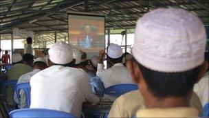 Cham Muslims watch the verdict in Phnom Penh