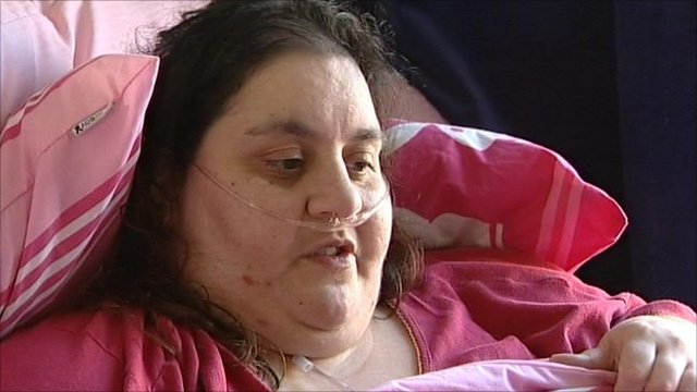 http://news.bbcimg.co.uk/media/images/48492000/jpg/_48492029_obese_still.jpg
