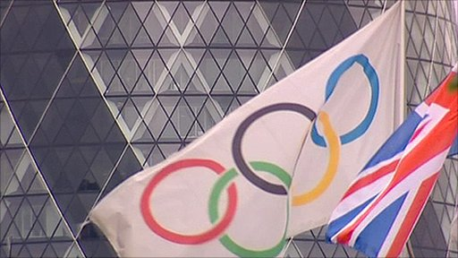 Olympic rings in front of 1 St Mary Axe