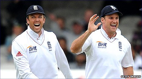 Graeme Swann (left) and Andrew Strauss