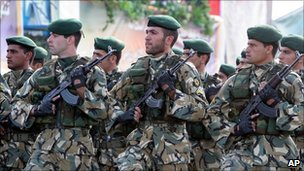 Iranian army members march during a parade ceremony 2005