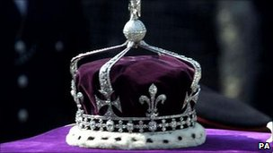 The Queen Mother's crown placed on top of her coffin as it lay in state in 2002