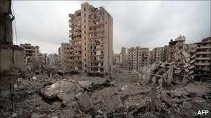 Aftermath of Israeli bombing of southern Beirut in 2006