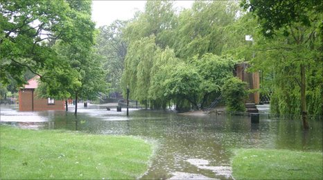 Flooding in Wardown Park