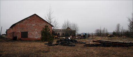 Chernobyl abandoned farm (Image: T Mousseau)