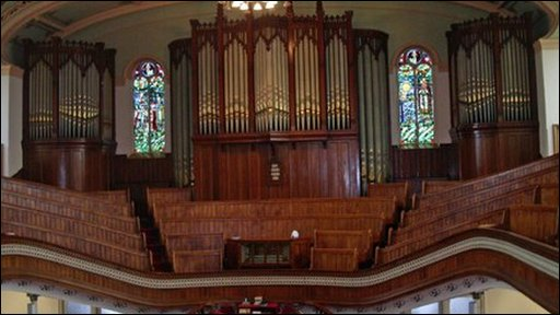 Organ y Tabyrnacl
